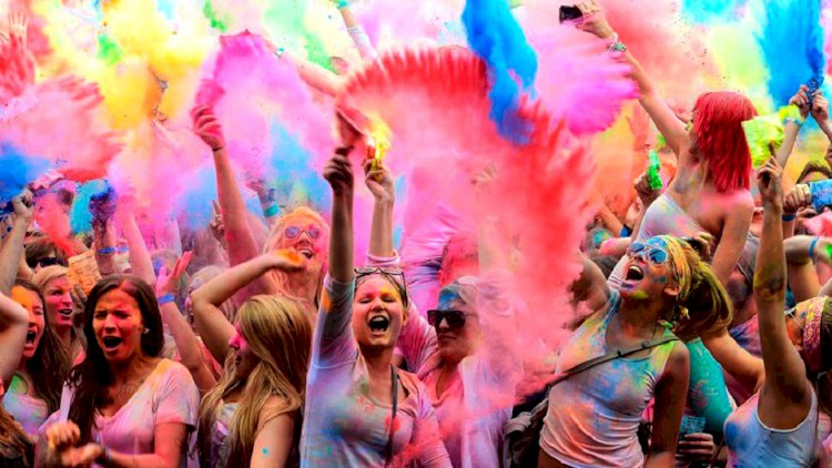 Holi 2020 - Festival Of Colors | Holika Dahan 2020 Dates, Puja Shubh Muhurat 2020 Timing
